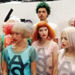 Sokszínű világ – sokszínű angol frizura divat